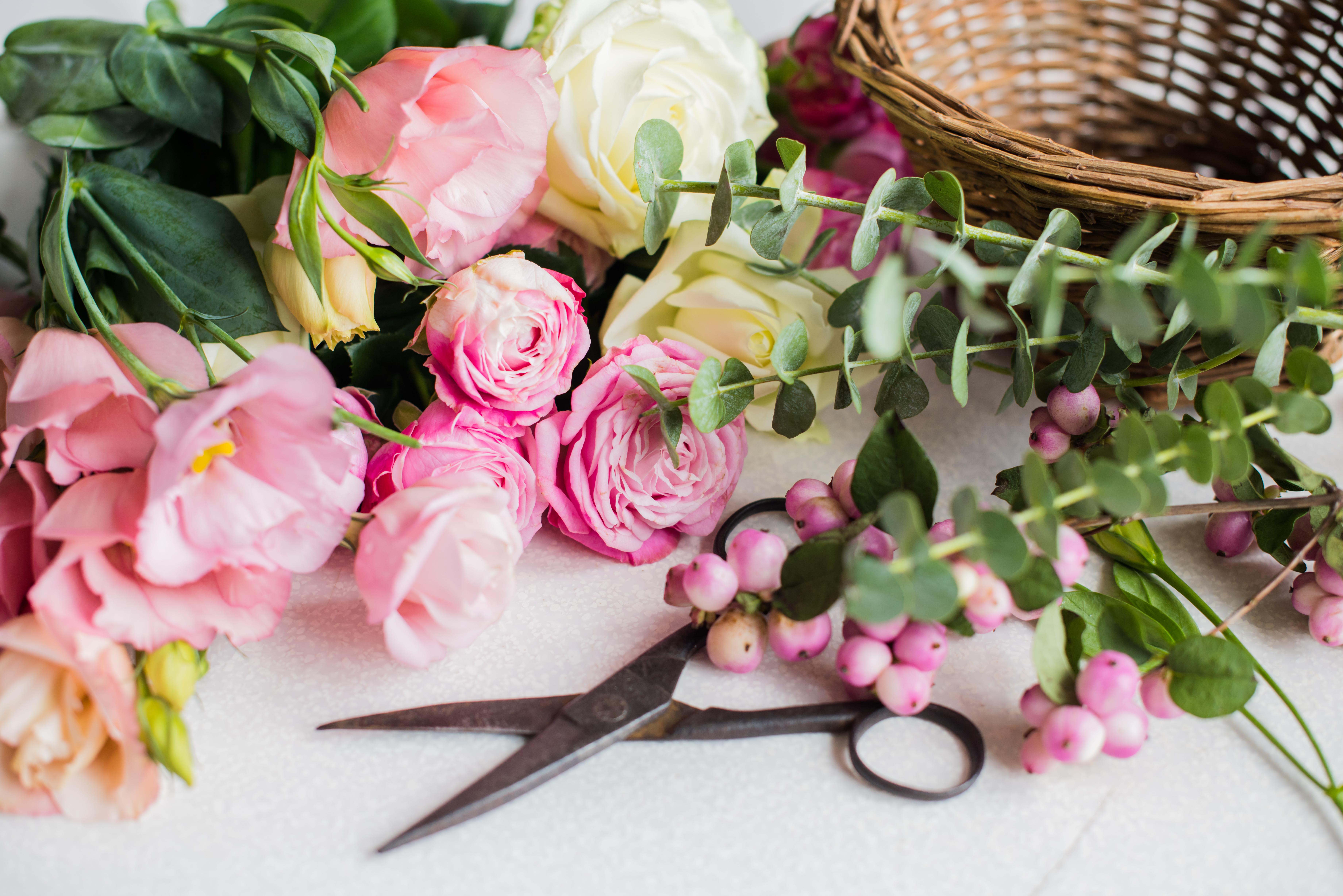 ¿Cómo funciona Interflora? Ventajas de enviar flores y elegir a los mejores para regalar ilusión