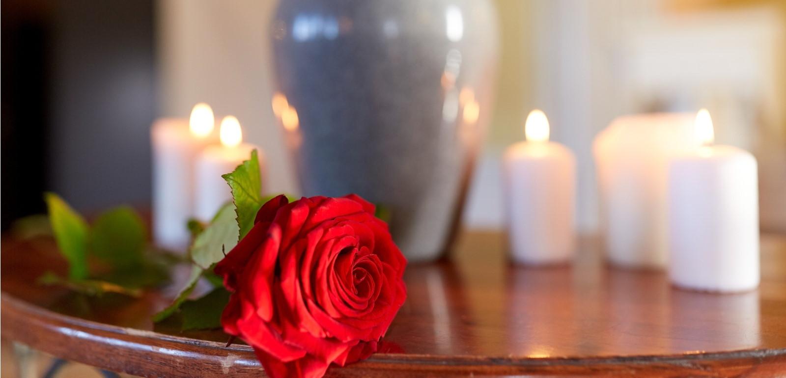¿Cómo elegir flores para un funeral?
