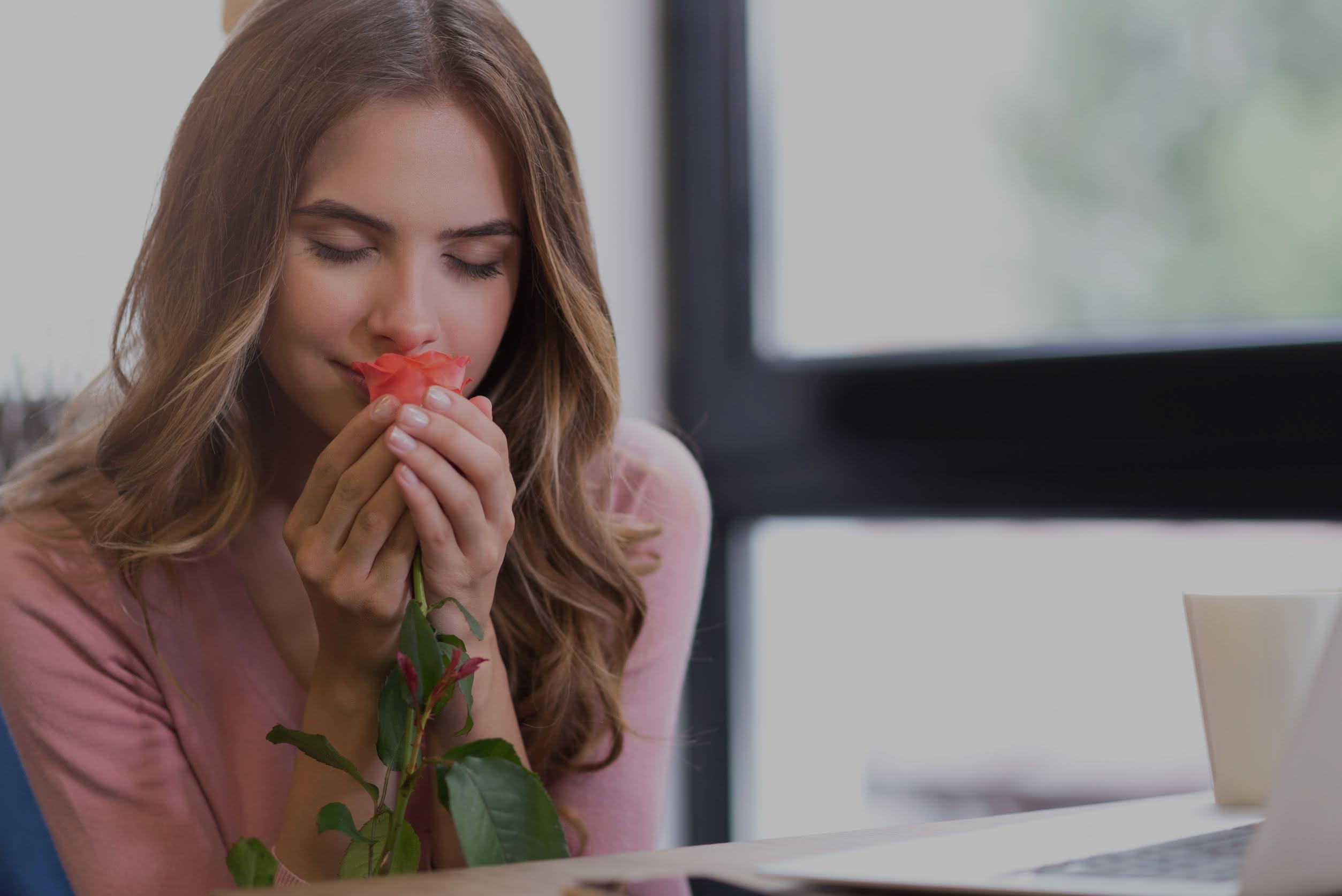 Frases para acompañar tu detalle floral el Día de la Mujer